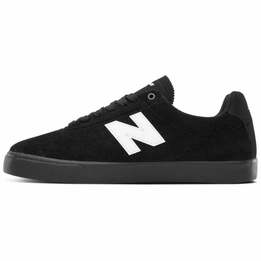 New Balance Numeric NM22 - Black / White