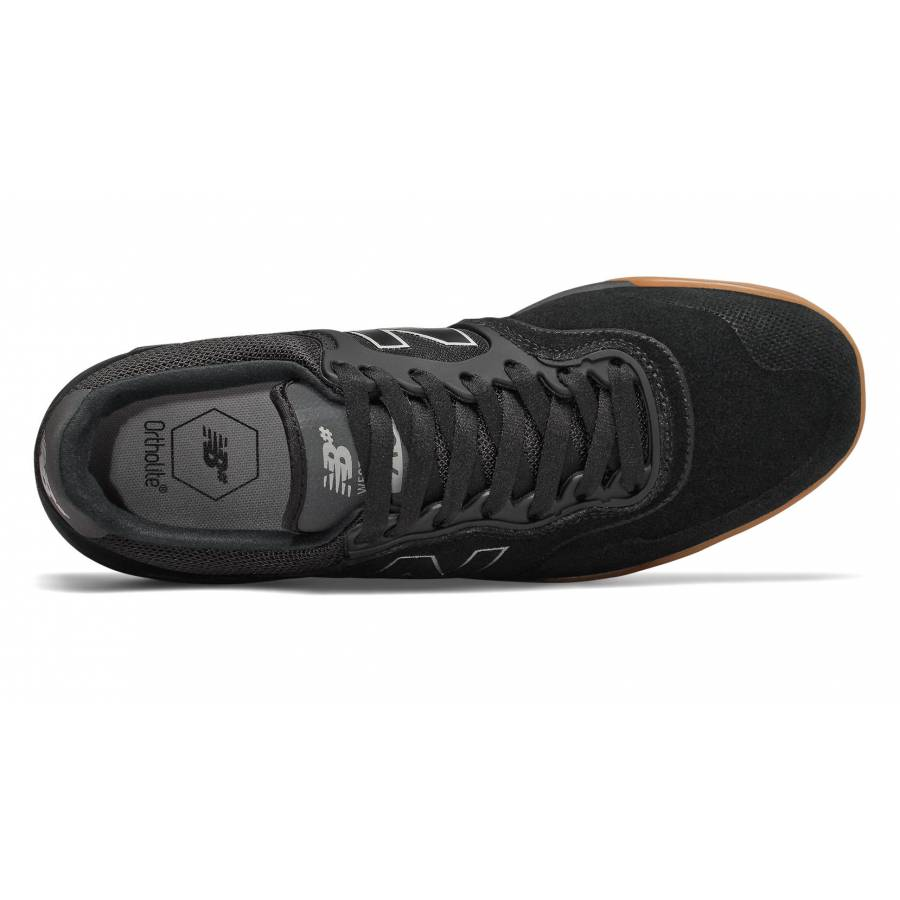 New Balance Numeric 913 Shoes - Black / Gum